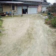 チップ砕石砂利敷き詰敷き均し工事-01