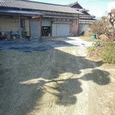 チップ砕石砂利敷き詰敷き均し工事-02