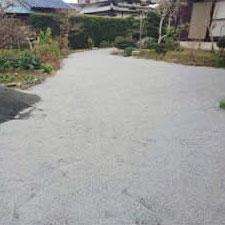 チップ砕石砂利敷き詰敷き均し工事-03
