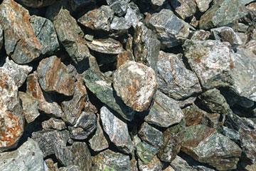ロックガーデン用のグリ石・栗石(100㎜~150㎜)