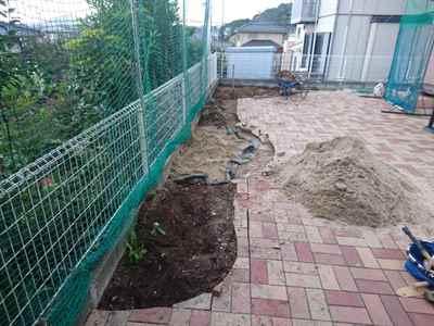 お庭の雑用工事 花壇撤去作業-10