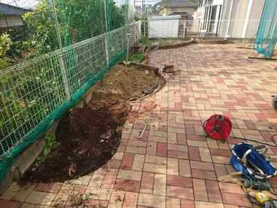 お庭の雑用工事 花壇撤去作業-11