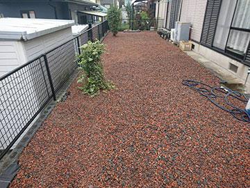 瓦チップ赤&黒 敷き均し・敷き詰め工事-11
