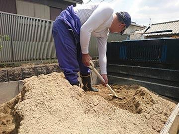 真砂土投げ入れ作業