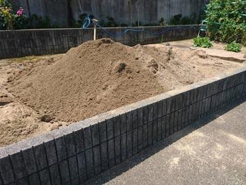 真砂土投げ入れ作業-2