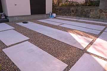 お庭の錆び砂利敷き・敷き均し・敷き詰め工事-4
