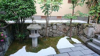 石灰石の庭-2