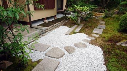 石灰石の庭-6