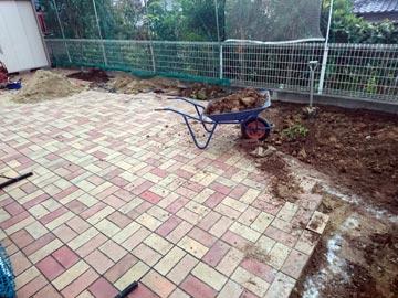 お庭の雑用工事